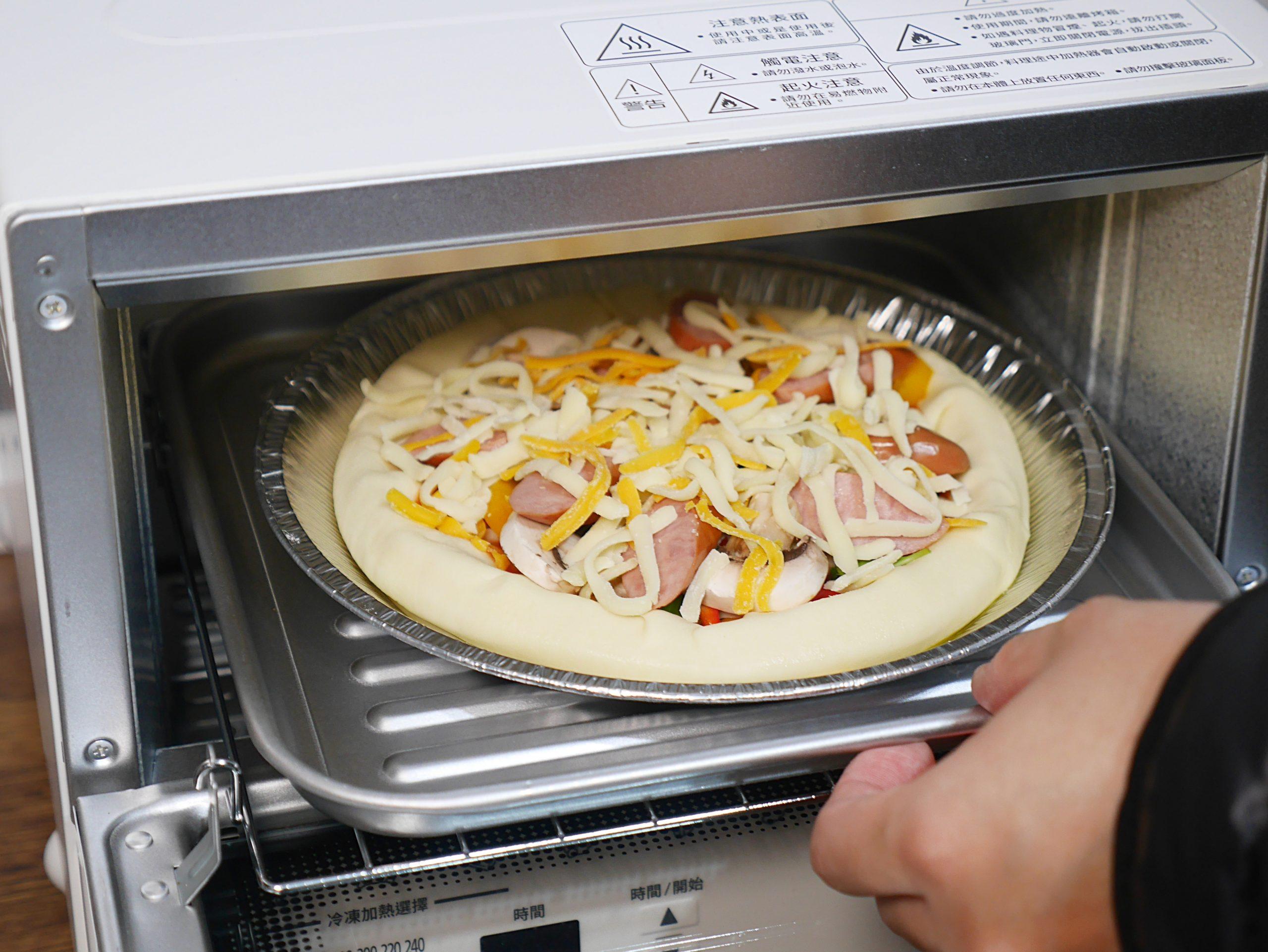 【食譜】德式香腸芝心披薩|美式披薩店最熱門的芝心餅皮做法