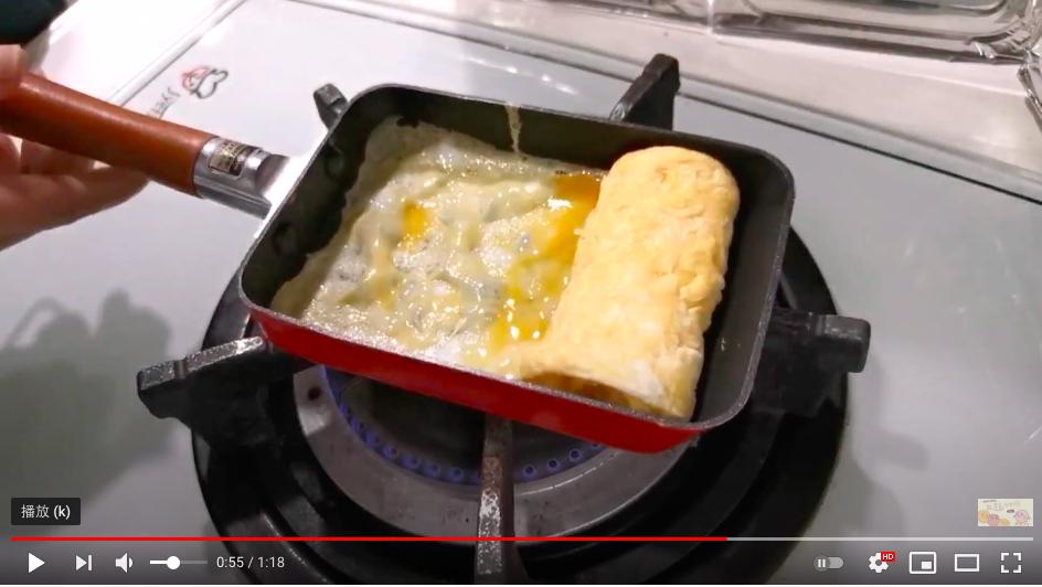 【食譜】鮭魚飯糰/簡單快速不需要工具日式手捏飯糰做法 @Maruko與美食有個約會