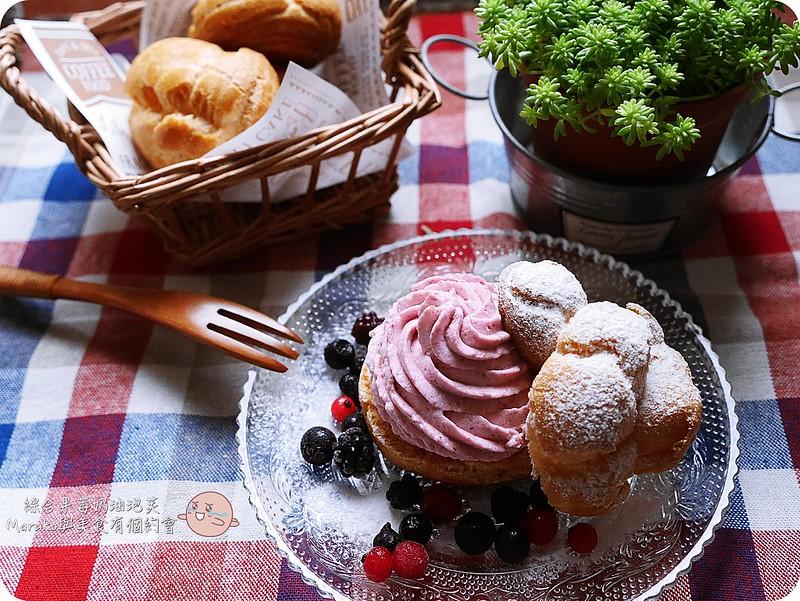 【鮮奶油食譜】綜合莓果鮮奶油泡芙|告訴你如何挑選完美比例鮮奶油加入果泥更能呈現繽紛鮮奶油擠花 @Maruko與美食有個約會
