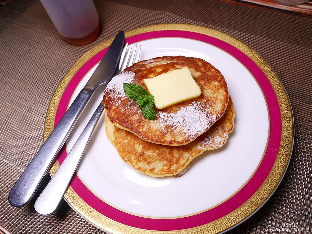 【食譜】香蕉鬆餅|10分鐘就能完成的平底鍋簡易點心(無泡打粉) @Maruko與美食有個約會
