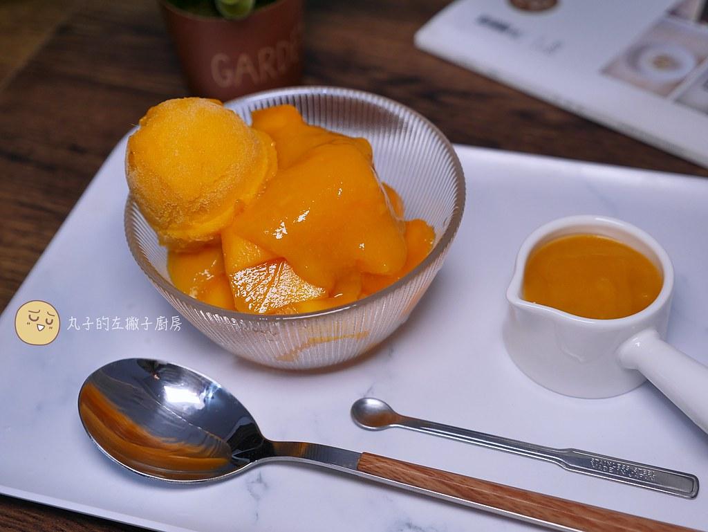 【食譜】新鮮芒果淋醬|夏日甜點必備的新鮮水果淋醬簡單又容易做 @Maruko與美食有個約會